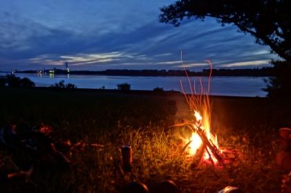 Letzter Abend an der Donau
