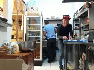 Zwei Kerle in der Küche da haben die Türken ein wenig gestaunt