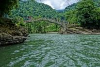Die 1500 Jahre alte Steinbrücke war gut besucht