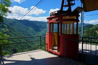 Die rustikale Seilbahn in Chulo fährt sogar noch