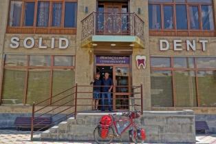 beim Zahnarzt unseres Vertrauens in Armenien
