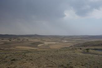 Die karge und weite Landschaft in Armenien