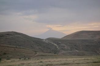 Von weitem haben wir immernoch den Ararat im Blick
