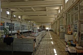 Verkaufshalle in Kapan. Könnte auch fast ein Konsum zu DDR Zeiten sein
