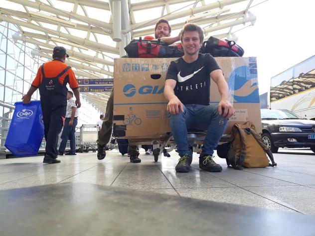 Ready to go am Flughafen in Teheran