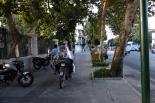 Ist die Straße zu voll gehts auf den Bürgersteig