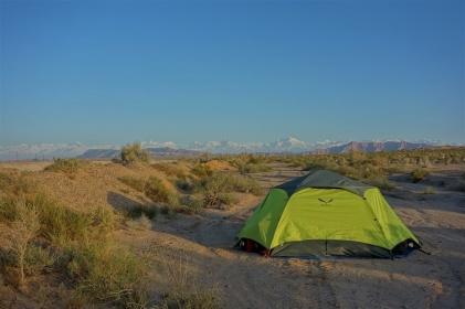 Tollen Ausblick auf das Tiashin Gebirge am frühen Morgen