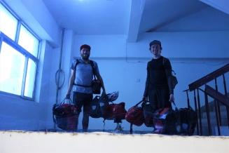 Was sind wir immer froh wenn die Hostels im 5. Stock sind wie hier in Korla.