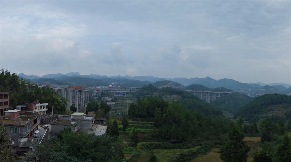 Der Autobahnbrücken Wahnsinn in China