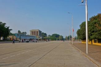 Ba Dinh Platz mit Ho Chi Minh Mausoleum