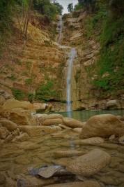 Diesen tollen Wasserfall haben wir bei einer Pause am Straßenrand entdeckt