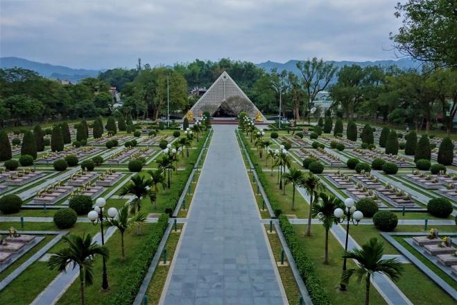 Soldatenfriedhof in Nien Bien