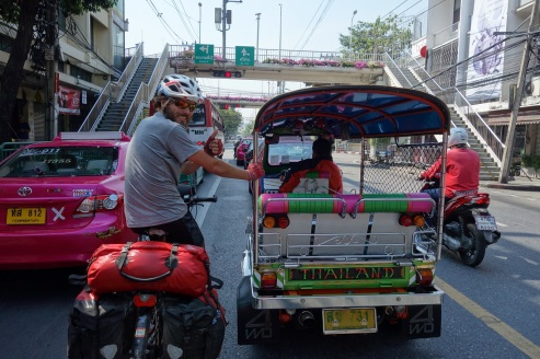 Einfahrt nach Bangkok