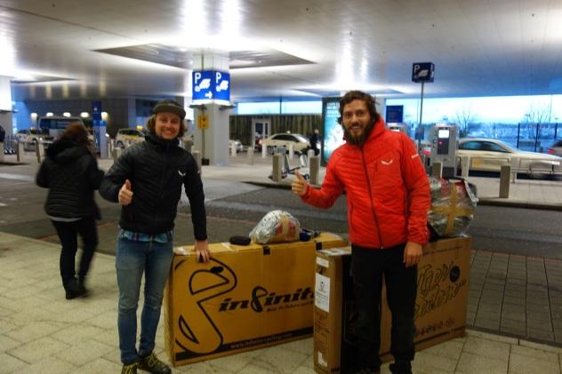 Ankunft am Flughafen in Frankfurt am frühen morgen