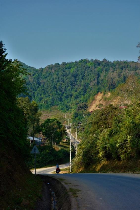 Laos ist bergig und es geht eigentlich nur bergauf und -ab