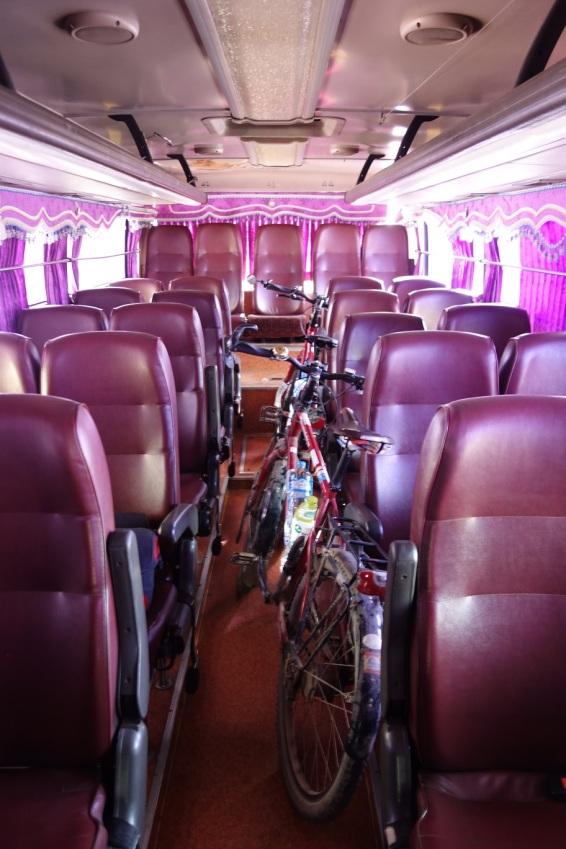Überfahrt mit dem Bus nach Thailand