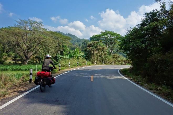 Nach dem Start in Chiang Mai haben wir einige Natioanlparks passiert